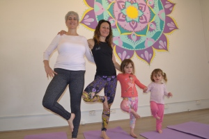 tree-pose-w-amanda-and-daughtersgood